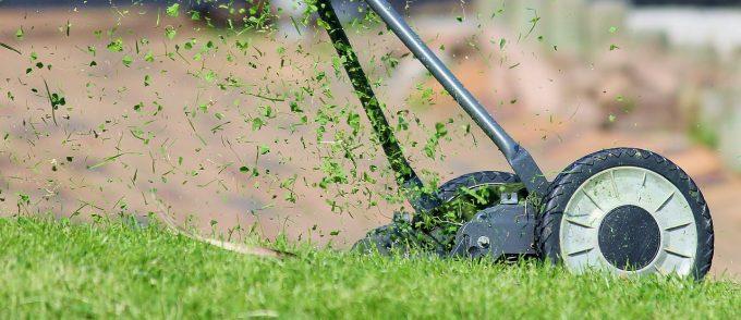 Les travaux d'aménagement d'une belle pelouse