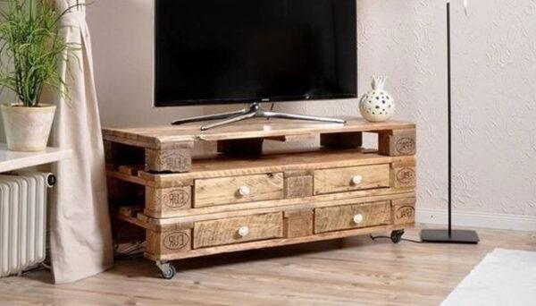 Meuble TV en palettes de bois